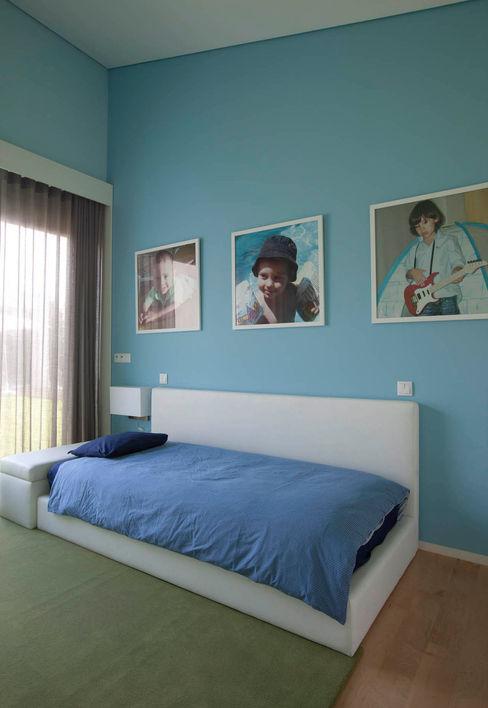 Quarto - Vivenda em Famalicão - SHI Studio Interior Design ShiStudio Interior Design Quarto de criançasAcessórios e Decoração