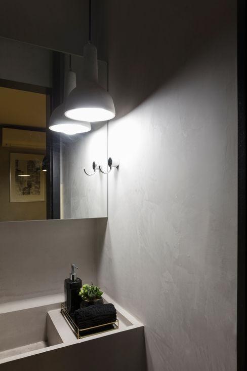 WC Sala de Reunião Semíramis Alice Arquitetura & Design Edifícios comerciais modernos