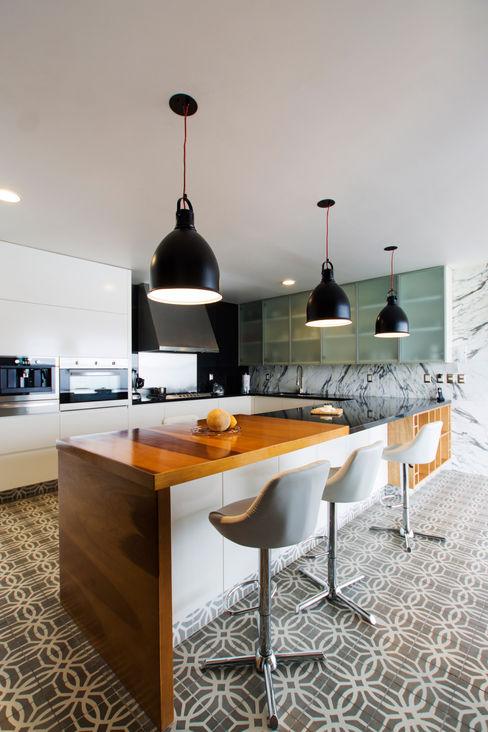 Casa Nochebuena Dionne Arquitectos Cocinas minimalistas Cerámico