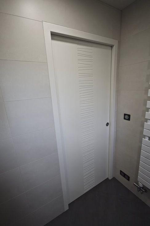 Une salle d'eau simple et fonctionnelle ! RG Intérieur Salle de bain minimaliste