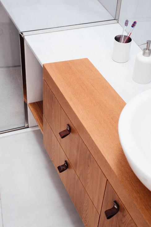 Mobile Bagno manuarino architettura design comunicazione Bagno minimalista Legno Bianco