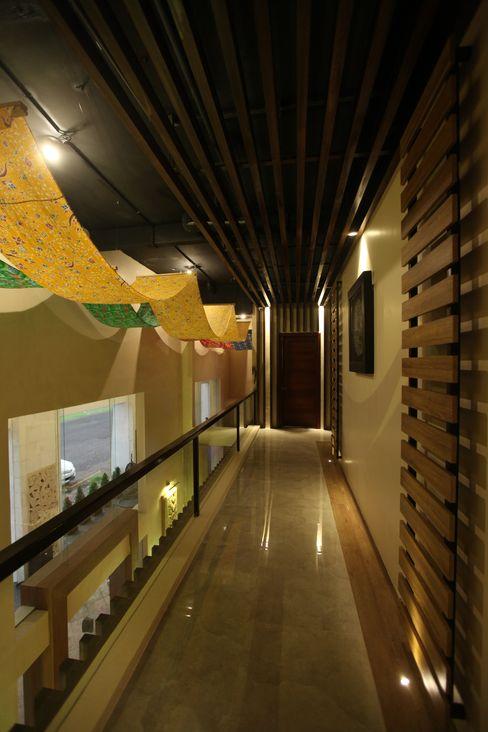 THE BALANCE OF MODERN & TRADITIONAL SPA @ BALI PT. Dekorasi Hunian Indonesia (DHI) Hotel Tropis