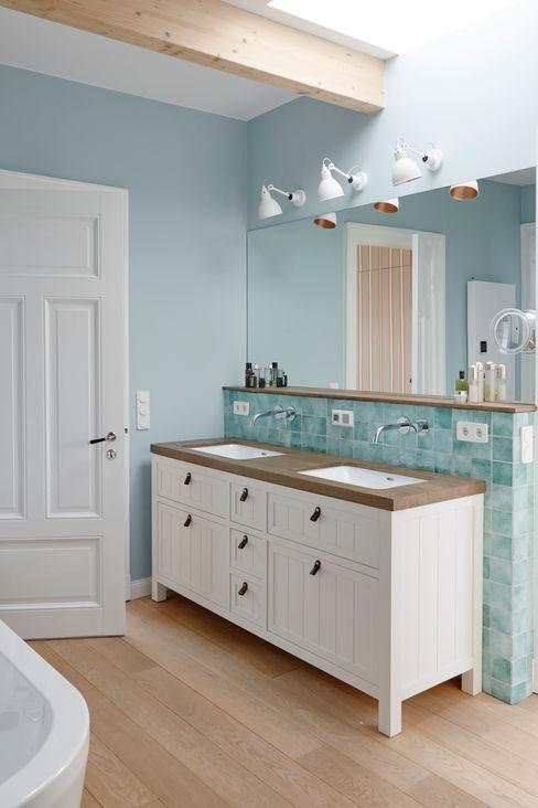 Umbau eines Stadthauses Anja Lehne interior design Klassische Badezimmer