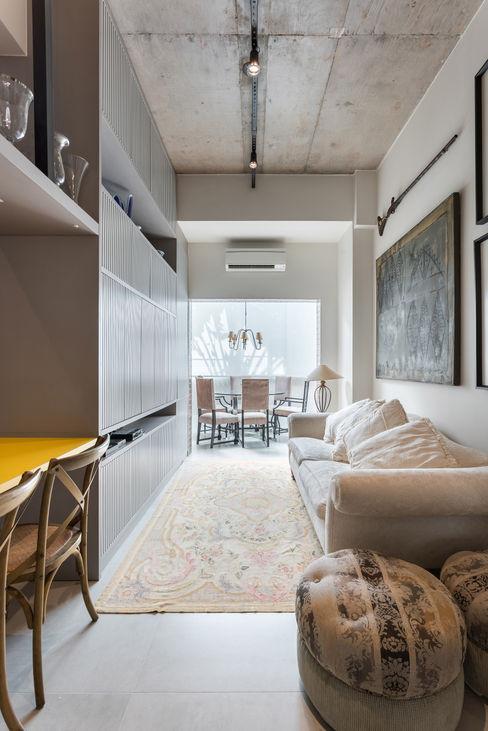 Studio Ideação Phòng khách phong cách kinh điển Bê tông Grey