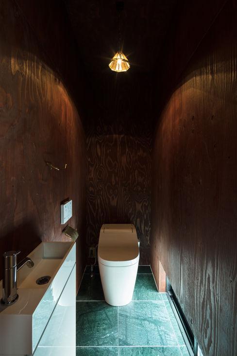 SQOOL一級建築士事務所 Minimalist bathroom
