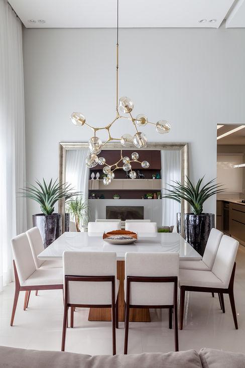 Living GR - Projeto Metrik Design - Arquiteto em Balneário Camboriú, Blumenau e região Metrik Design - Arquitetura e Interiores Salas de estar modernas