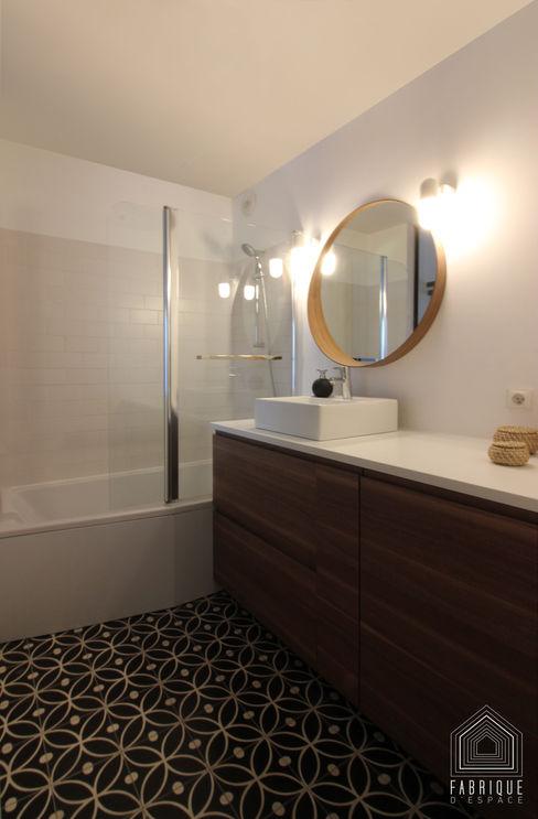 FABRIQUE D'ESPACE Scandinavian style bathroom Plywood White