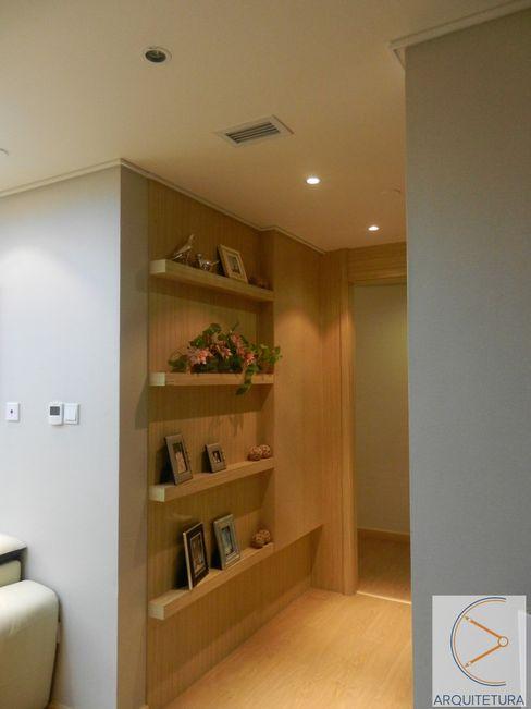 Hall Cassia Espada Arquitetura e Interiores Corredores, halls e escadas asiáticos