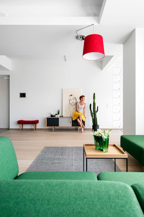 Helles, offenes Wohnzimmer skandinavisch Baltic Design Shop Skandinavische Wohnzimmer Holz Weiß