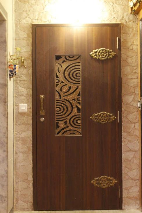Dezinebox Modern style doors