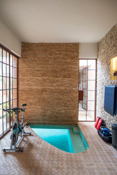 Taller Estilo Arquitectura Colonial style gym