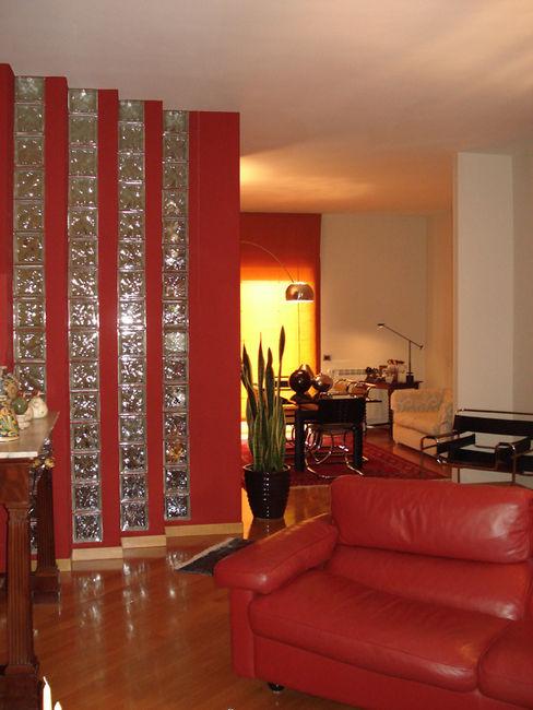 MEF Architect Livings de estilo moderno Rojo