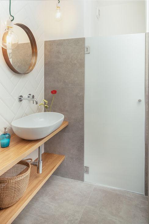 Bagno manuarino architettura design comunicazione Bagno in stile industriale Piastrelle Bianco
