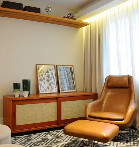 MARIA FERNANDA PEREIRA Ruang Keluarga Modern Kayu Wood effect