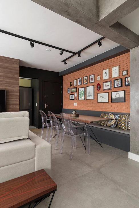 Rabisco Arquitetura Rustic style dining room Bricks Grey