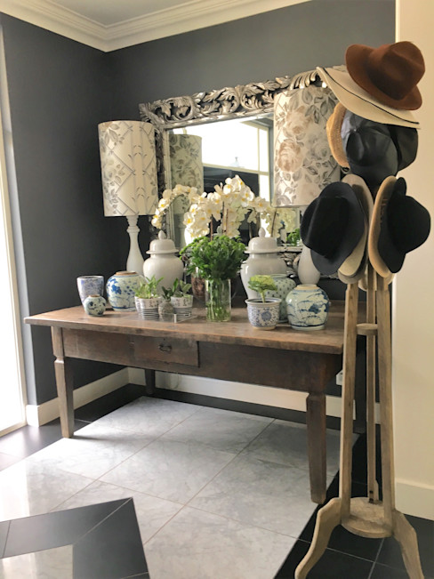 Melrose ByDezign Interiors Corridor, hallway & stairs Accessories & decoration