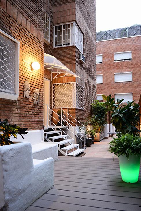 Escalera de metal ETNA STUDIO JardínMobiliario Hierro/Acero Blanco