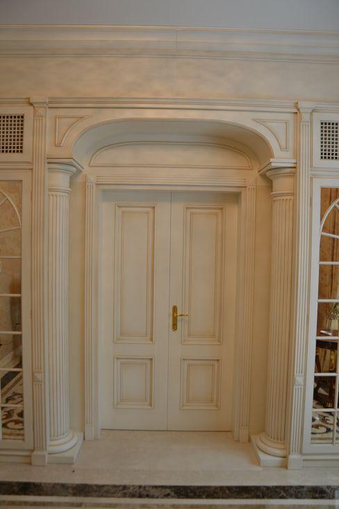 Porte classiche Turati Boiseries Sala da pranzo in stile classico Legno