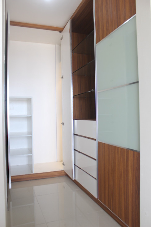 POWL Studio Modern style dressing rooms