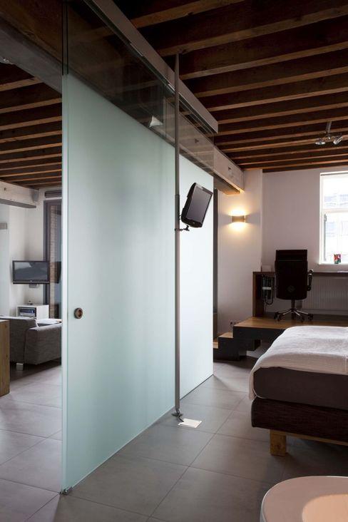 Thijssen Verheijden Architecture & Management 斯堪的納維亞風格的走廊,走廊和樓梯