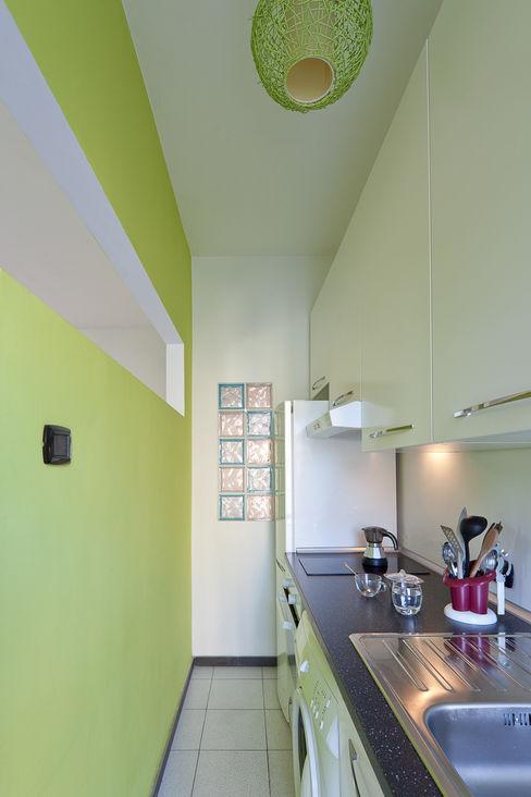 Una piccola cucina LRC Architettura e Design Cucina moderna Verde