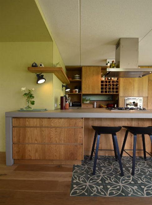 Denk Ruim Over Interieur Industrial style kitchen Concrete Green