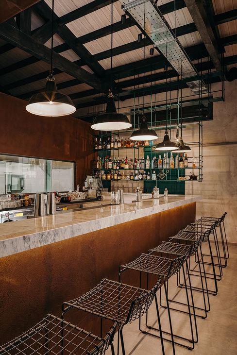 Banco bar manuarino architettura design comunicazione Bar & Club in stile industrial Ferro / Acciaio Marrone