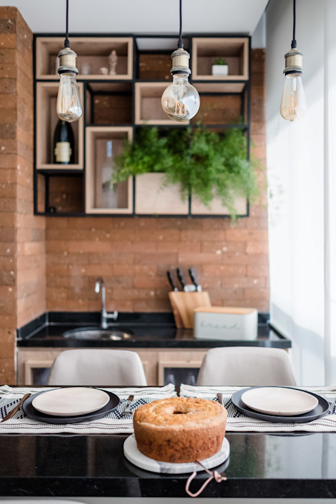 Varanda Pequena Gourmet Mirá Arquitetura Varandas, alpendres e terraços industriais Tijolo Efeito de madeira