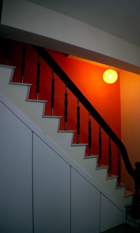 改造後的樓梯,牆面也漆上橘紅色增添鮮明感 奕禾軒 空間規劃 /工程設計 Stairs