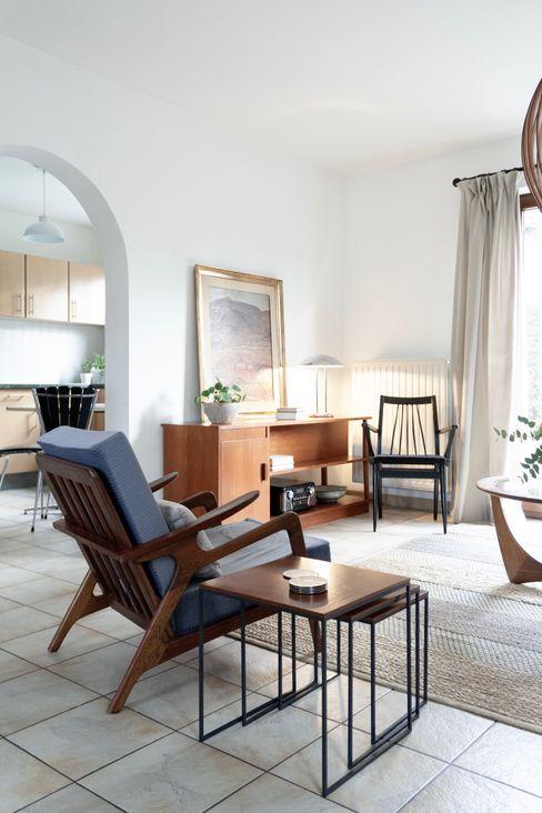 Voeren Home – Living Room Lola Cwikowski Studio Salas de jantar minimalistas Branco
