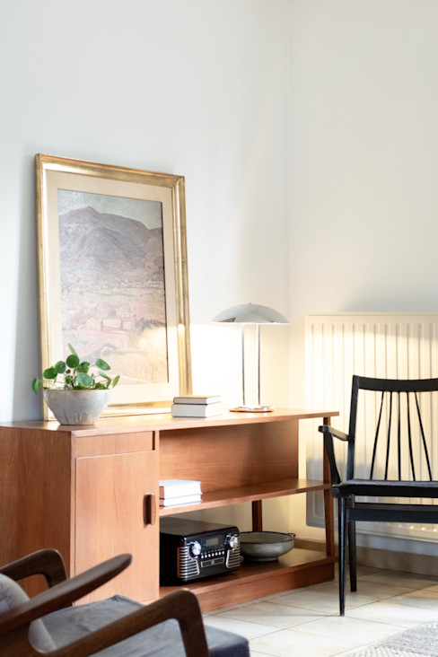 Lola Cwikowski Studio Salones de estilo minimalista Marrón