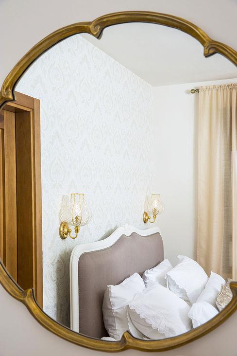 Applique Odalisca nella zona notte siru srl Camera da letto in stile classico Vetro