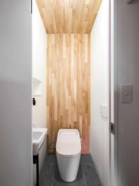 株式会社エキップ Modern bathroom Solid Wood Wood effect