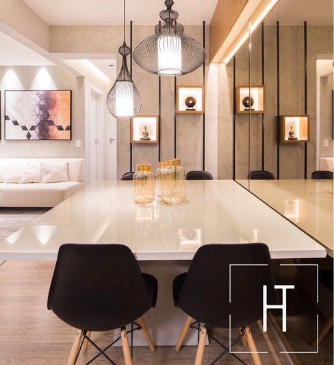 Sala de Jantar Helo Trindade Arquitetura e Interiores Salas de jantar modernas Madeira Preto