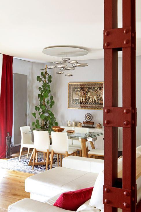 Vivienda en Pintor Rosales. Madrid Estudio Mercedes Arce Comedores de estilo moderno Aluminio/Cinc Rojo