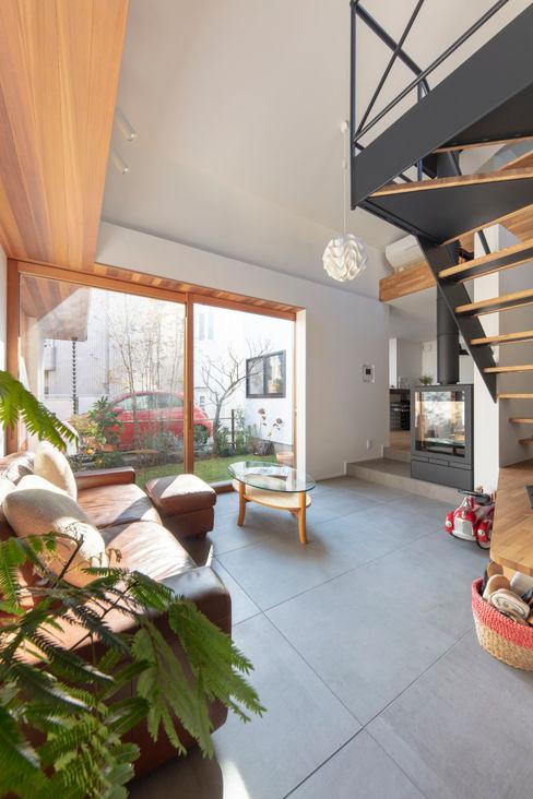 遠藤誠建築設計事務所(MAKOTO ENDO ARCHITECTS) 스칸디나비아 거실 화이트