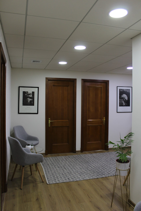 DESPUES SALA DE ESPERA Estudio Arquitectura y construccion PR/ Remodelaciones y Diseño de interiores / Santiago, Rancagua y Viña del mar Clínicas / Consultorios Médicos