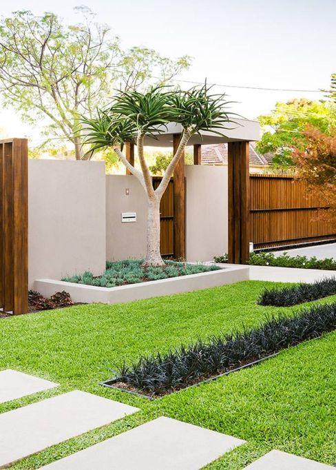 Jasa Taman Rumah || Taman Minimalis Tukang Taman Surabaya - Tianggadha-art Halaman depan Batu Green