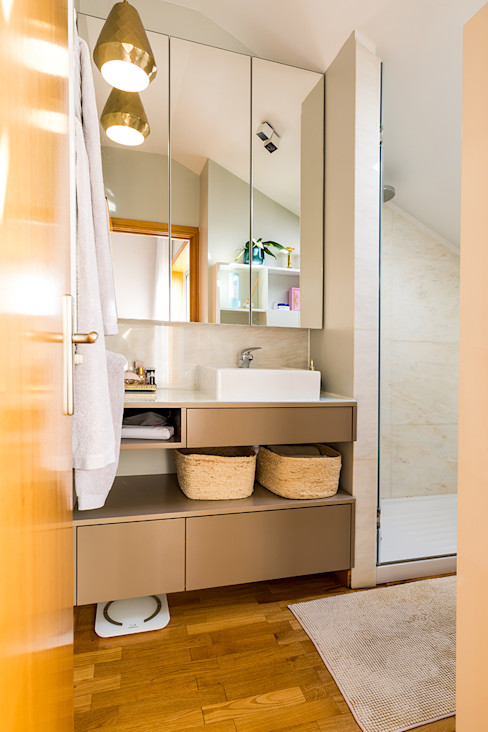 WC - Moradia em Miramar - SHI Studio Interior Design ShiStudio Interior Design Casas de banho modernas