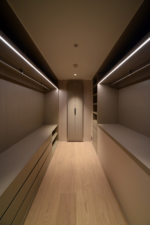 Nyb-apartment(リノベーション) スレッドデザインスタジオ ミニマルデザインの ドレッシングルーム ベージュ