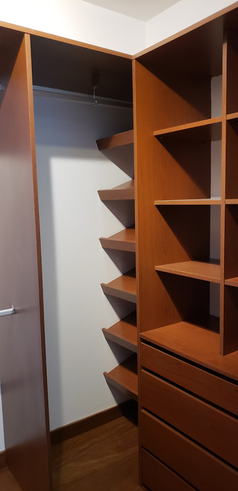 Closet completo Constructora CYB Spa Closets de estilo moderno Madera Marrón