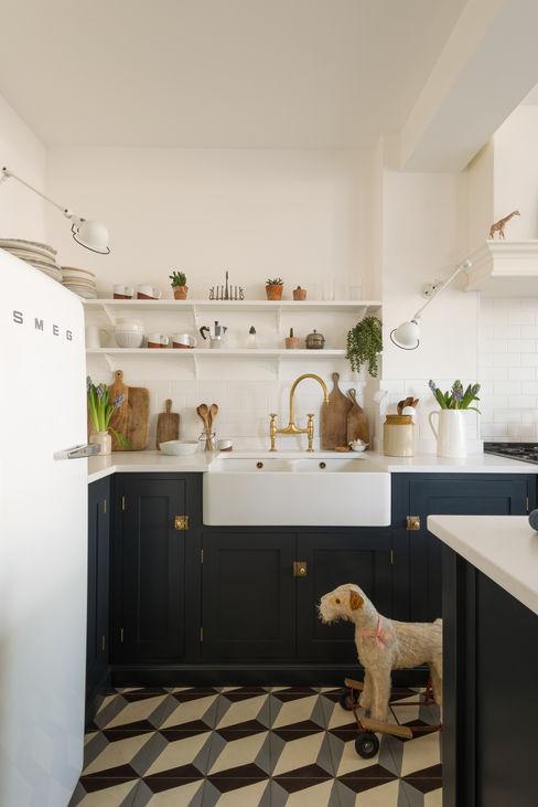 The Marlow Kitchen by deVOL deVOL Kitchens Dapur built in Blue