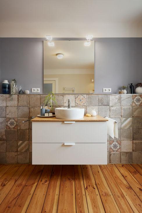 Banovo GmbH Eclectic style bathroom Wood effect