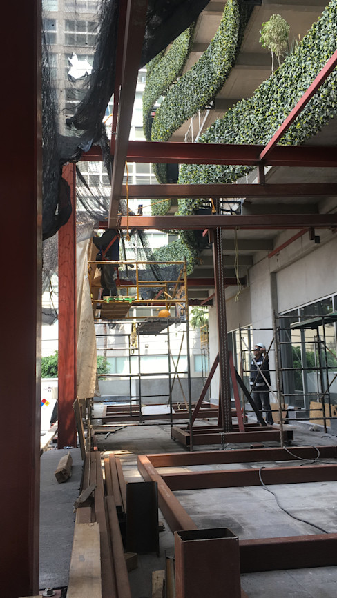 Rado Construye Patios & Decks Iron/Steel Black