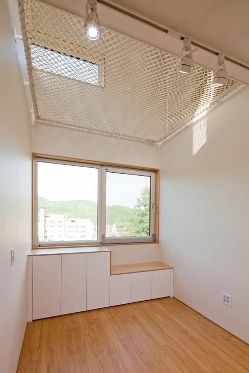 위드하임 Withheim Moderne Wohnzimmer Weiß