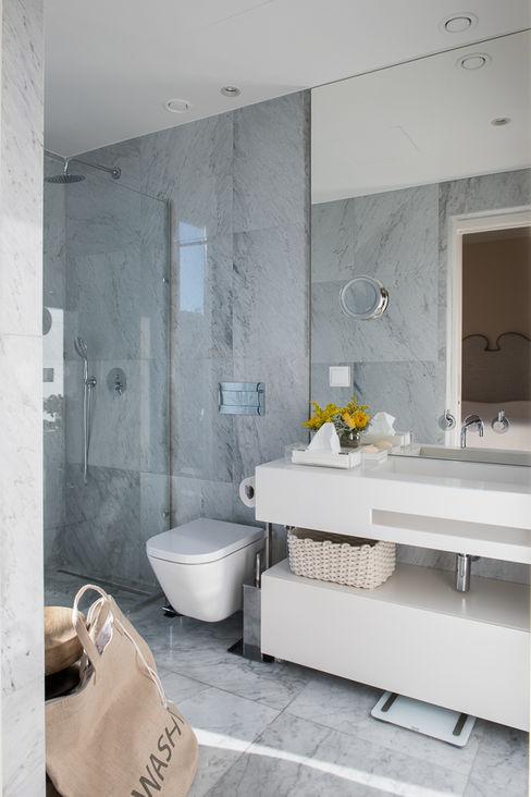 Casa de banho quarto de visitas 1 Inêz Fino Interiors, LDA Casas de banho modernas