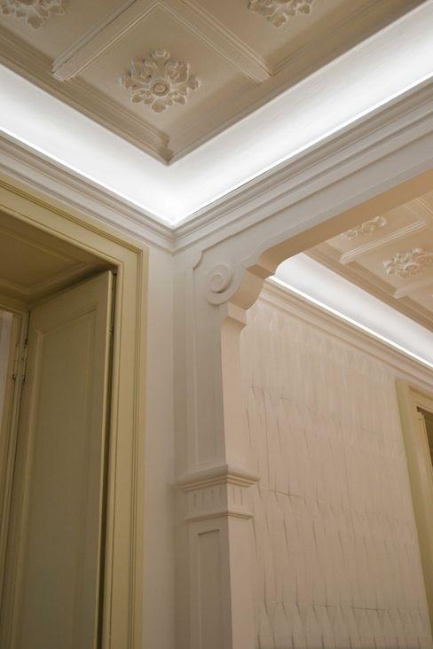pareti e stucchi decorativi viemme61 Negozi & Locali commerciali in stile classico