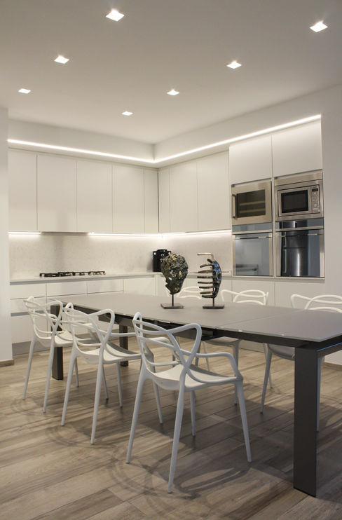 Cucina - sala da pranzo viemme61 Cucina attrezzata Bianco
