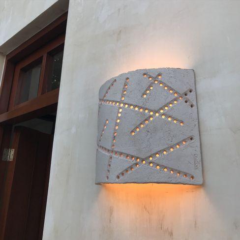 Teja Grande Lúmina Takto Design Vestíbulos, pasillos y escalerasIluminación Cerámica Blanco