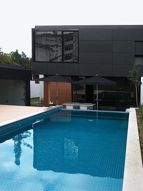 Moradia nos Olivais Novostudio Arquitectos Casas modernas